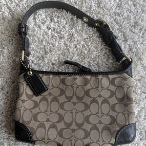 Beautiful Coach purse in like new condition.